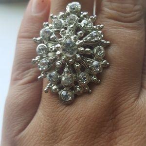 Jewelry - Fashion jewelry ring